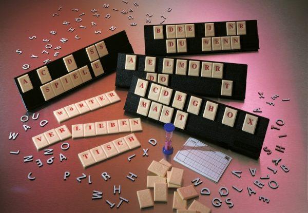 Original Rummikub Wort, für 2-4 Spieler, ab 8 Jahren Vedes 61078096